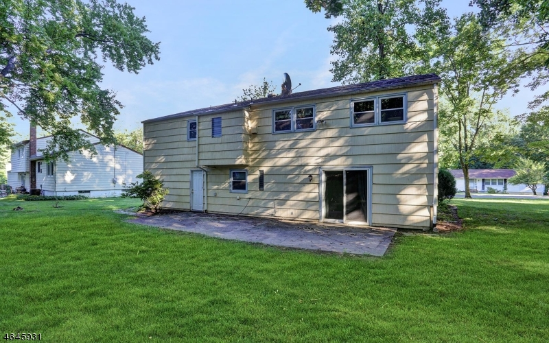 Additional photo for property listing at 3 Tanglewood Drive  Livingston, Нью-Джерси 07039 Соединенные Штаты