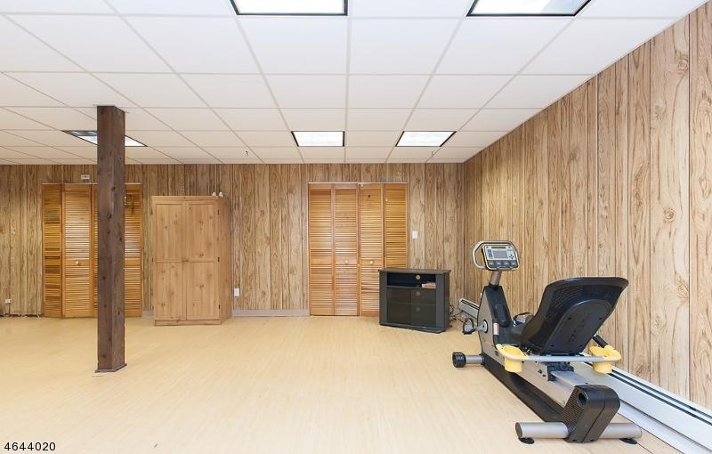 Additional photo for property listing at 1140 Roosevelt Avenue  Scotch Plains, 新泽西州 07076 美国