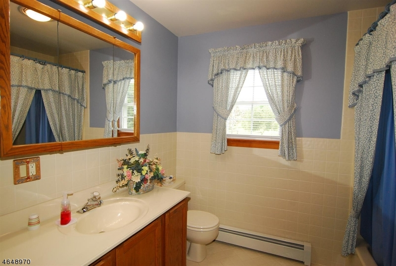 Additional photo for property listing at 50 Highland Road  Hackettstown, Нью-Джерси 07840 Соединенные Штаты