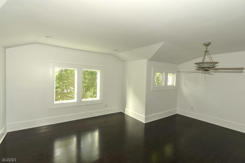 Additional photo for property listing at 266 Eagle Rock Avenue  Roseland, Нью-Джерси 07068 Соединенные Штаты