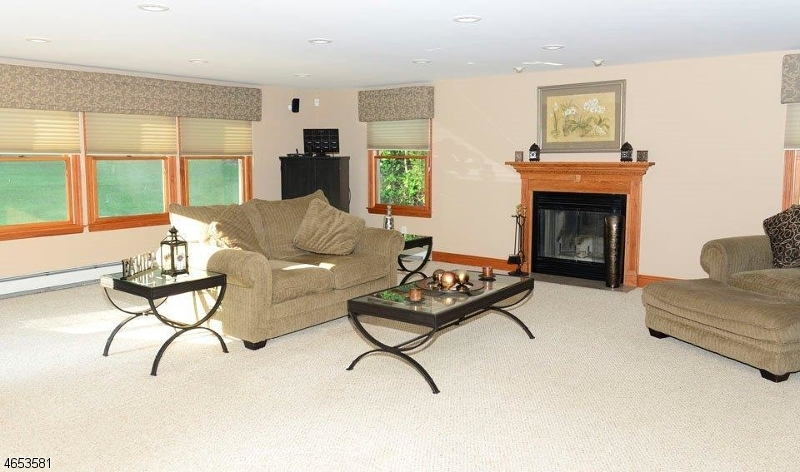 Additional photo for property listing at 10 Pearl Avenue  Pompton Plains, Нью-Джерси 07444 Соединенные Штаты
