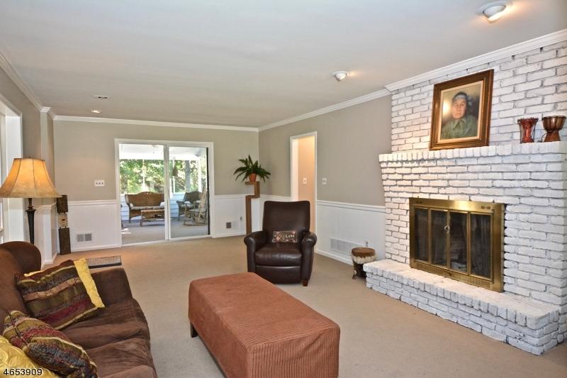 独户住宅 为 销售 在 6 Hart Road 夫雷明顿, 新泽西州 08822 美国