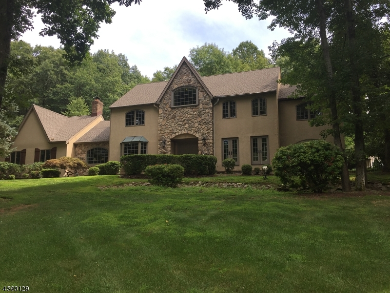 Single Family Home for Sale at 44 Old Farmstead Road Chester, New Jersey 07930 United States