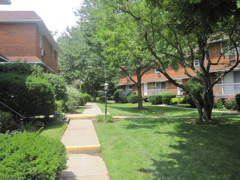 Additional photo for property listing at Address Not Available  Montclair, New Jersey 07042 États-Unis