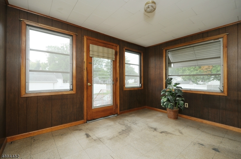 Additional photo for property listing at 261 Valley Road  Clark, New Jersey 07066 United States