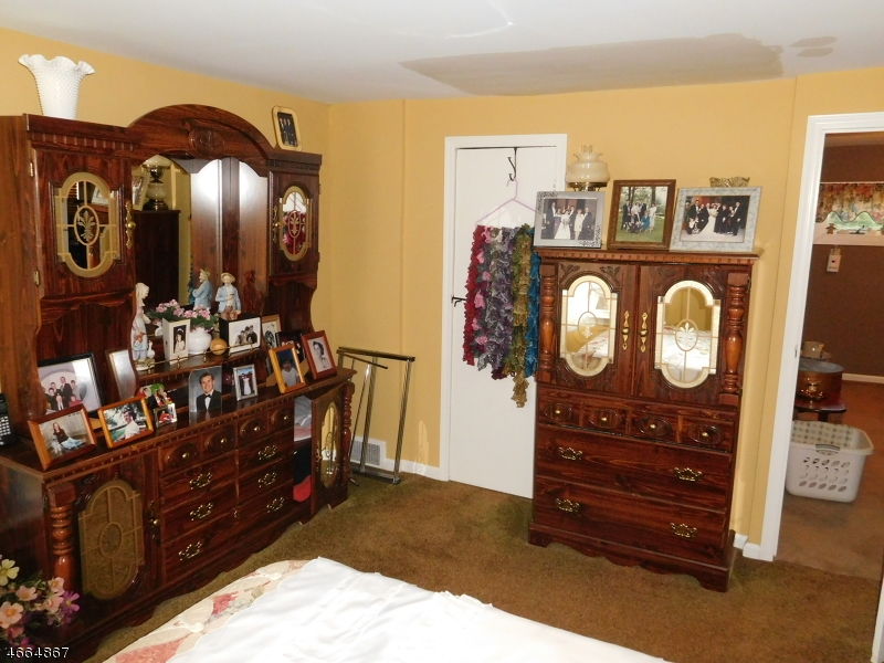 Additional photo for property listing at 1 MARKET Street  Somerset, Nueva Jersey 08873 Estados Unidos