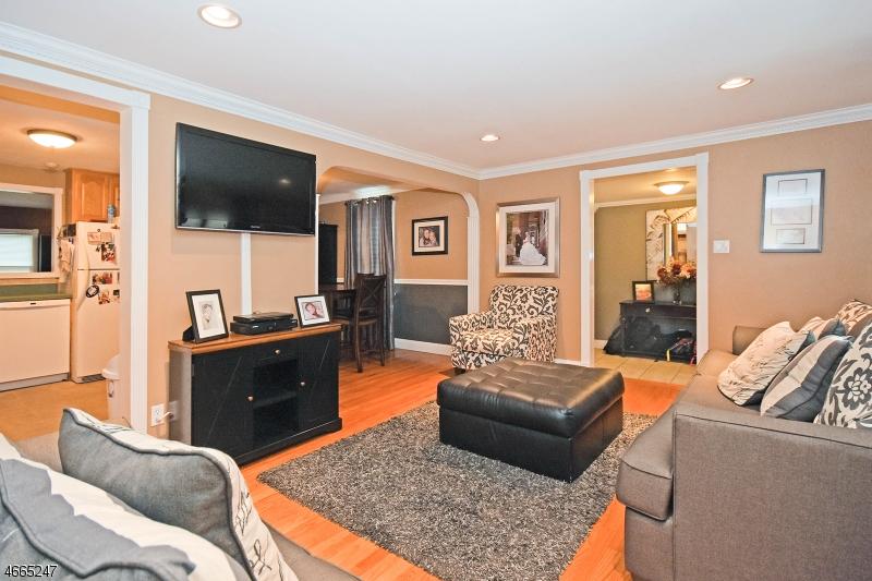 Additional photo for property listing at 29 Newton Road  Wayne, Nueva Jersey 07470 Estados Unidos