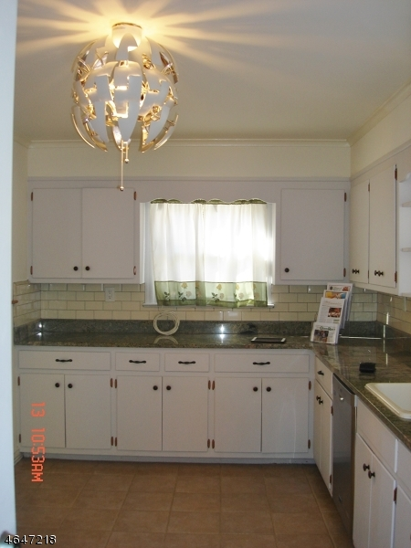 Additional photo for property listing at 343 La Grande Avenue  Fanwood, New Jersey 07023 États-Unis