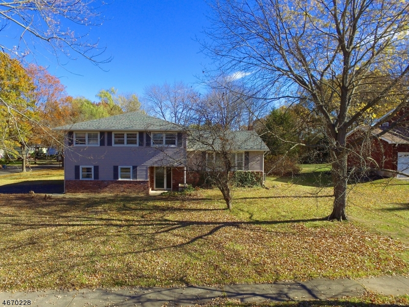 Частный односемейный дом для того Продажа на Address Not Available Pine Brook, Нью-Джерси 07058 Соединенные Штаты