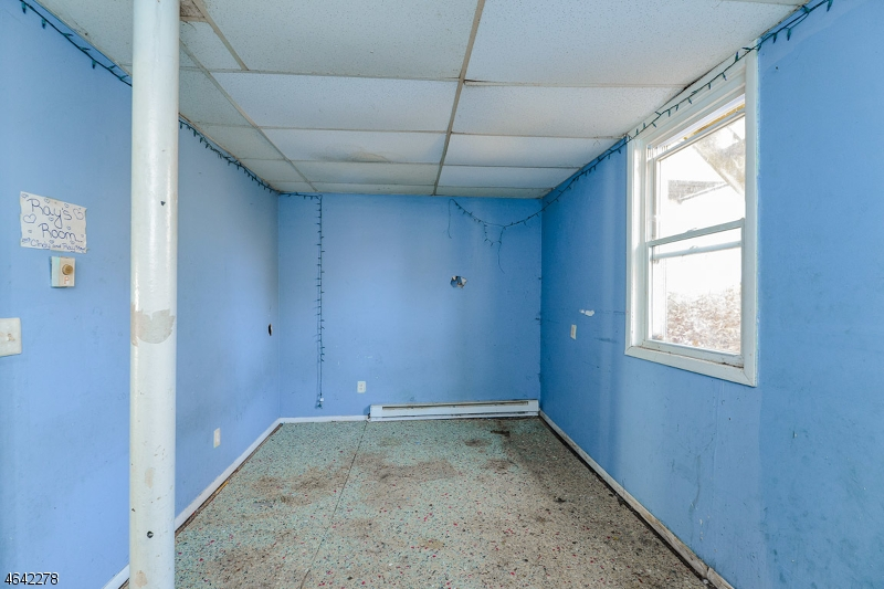 Additional photo for property listing at 57-61 MAIN Street  Franklin, Nueva Jersey 07416 Estados Unidos