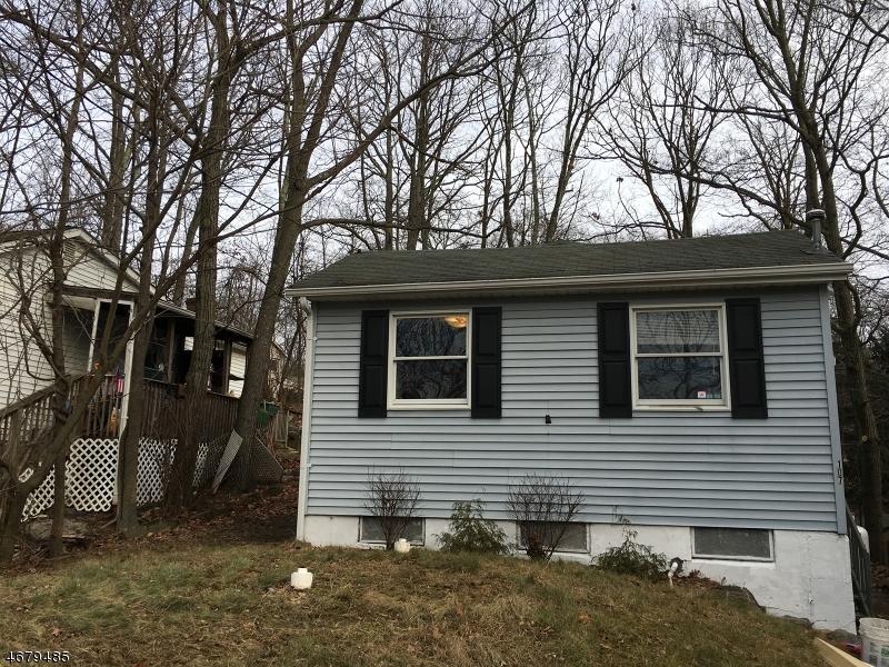 Частный односемейный дом для того Аренда на 107 Vermont Trail Hopatcong, Нью-Джерси 07843 Соединенные Штаты