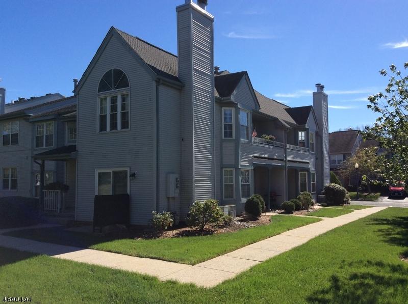Casa Unifamiliar por un Alquiler en 404 Porter Way W Bridgewater, Nueva Jersey 08807 Estados Unidos