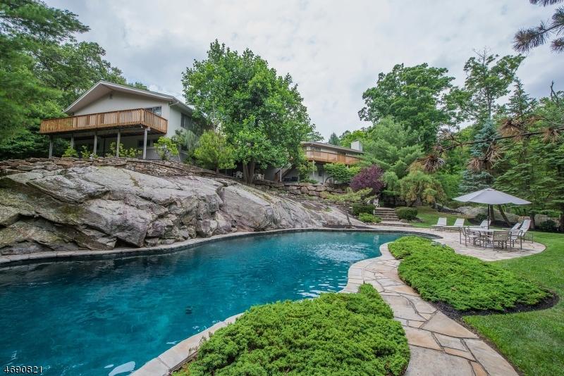独户住宅 为 销售 在 18 Red Oak Lane 金内隆, 07405 美国