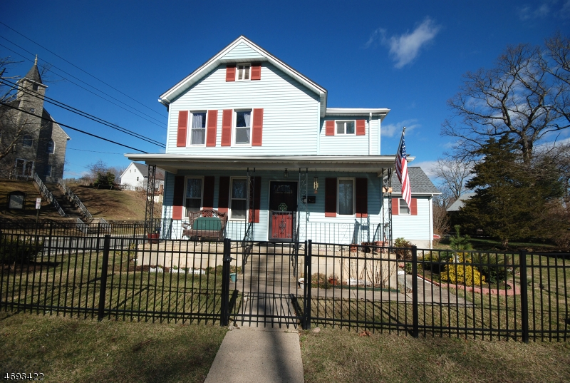 Частный односемейный дом для того Продажа на 23 THOMAS Street Wharton, Нью-Джерси 07885 Соединенные Штаты