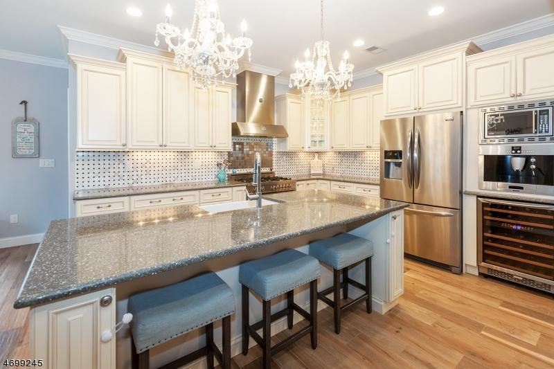 Casa Unifamiliar por un Venta en 15 Beechwood Road Florham Park, Nueva Jersey 07932 Estados Unidos