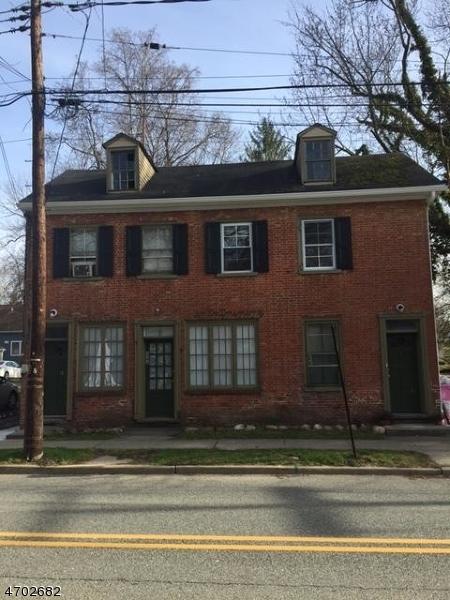 Casa Unifamiliar por un Alquiler en 332 WATER Street Belvidere, Nueva Jersey 07823 Estados Unidos