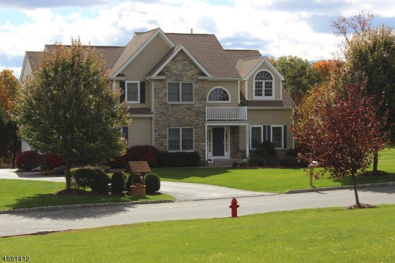 Single Family Home for Sale at 34 Players Blvd Fredon, 07860 United States
