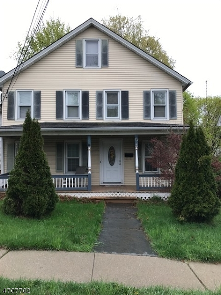 Maison unifamiliale pour l Vente à 8 Walnut Street Sussex, New Jersey 07461 États-Unis