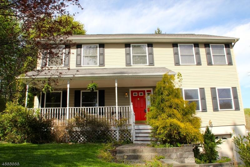 Casa para uma família para Venda às 5 COZY Lane 5 COZY Lane Califon, Nova Jersey 07830 Estados Unidos