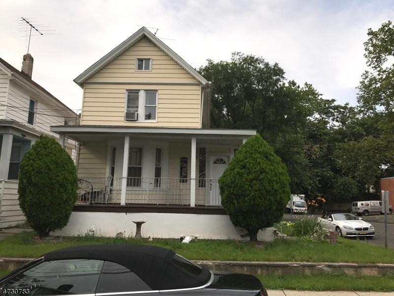 Частный односемейный дом для того Продажа на 126 Gamewell Street Hackensack, 07601 Соединенные Штаты