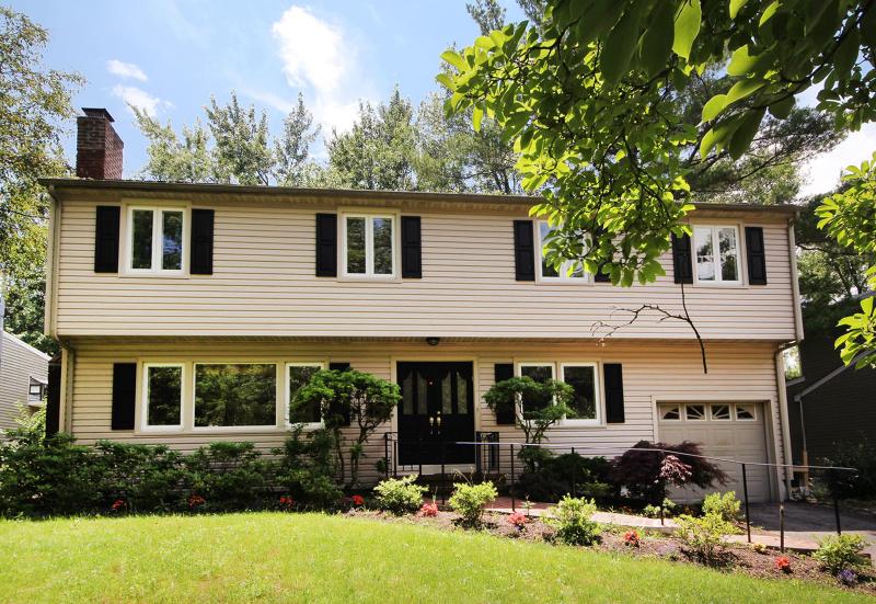 Maison unifamiliale pour l à louer à 42 Brandon Avenue Livingston, New Jersey 07039 États-Unis