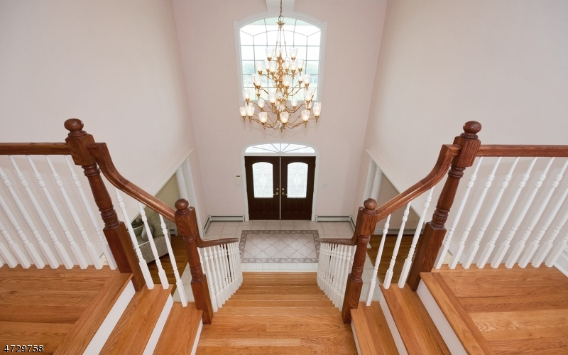 Additional photo for property listing at 384 Mountain View Rd W  Franklin, New Jersey 08802 United States