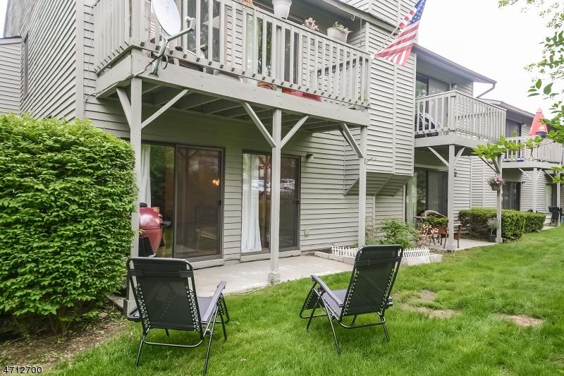 Casa Unifamiliar por un Venta en 1515 Spruce Hills Drive Glen Gardner, Nueva Jersey 08826 Estados Unidos