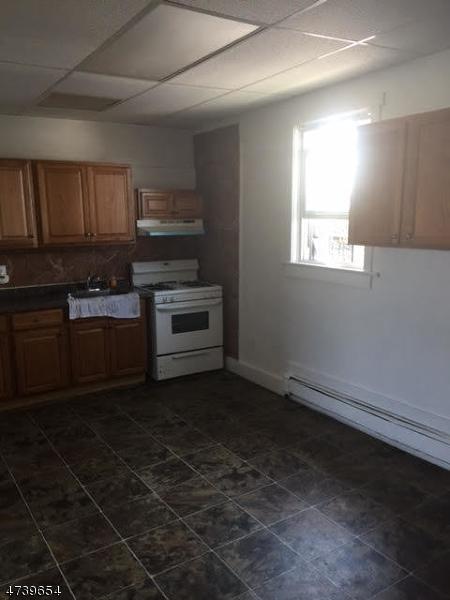 独户住宅 为 出租 在 30-36 GRAHAM Avenue Paterson, 新泽西州 07524 美国