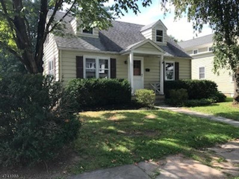 Casa Unifamiliar por un Alquiler en 9 CHURCH Street Tewksbury Township, Nueva Jersey 08858 Estados Unidos