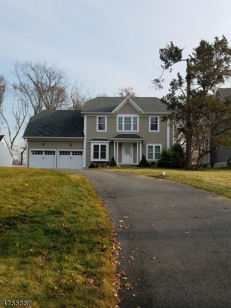 Частный односемейный дом для того Аренда на Address Not Available Montclair, Нью-Джерси 07042 Соединенные Штаты