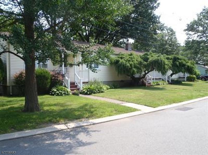 متعددة للعائلات الرئيسية للـ Sale في 49 Claverack Road 49 Claverack Road Clifton, New Jersey 07013 United States