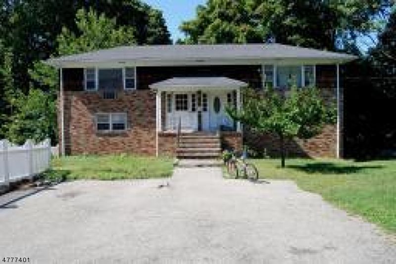 Maison unifamiliale pour l à louer à 1 Kings Road Netcong, New Jersey 07857 États-Unis