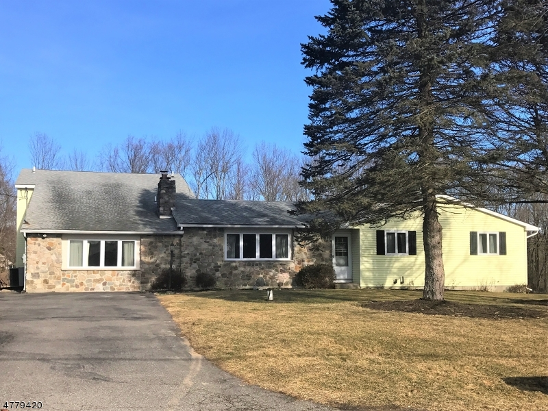 Single Family Home for Sale at 158 Vail Road 158 Vail Road Columbia, New Jersey 07832 United States