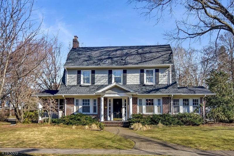 Maison unifamiliale pour l Vente à 29 Tonawanda Road Glen Rock, New Jersey 07452 États-Unis