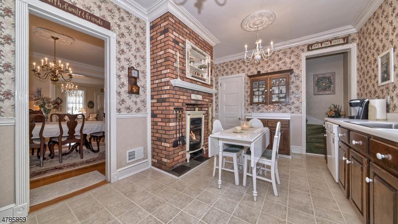 Tek Ailelik Ev için Satış at 601-603 AVENUE E Bayonne, New Jersey 07002 Amerika Birleşik Devletleri