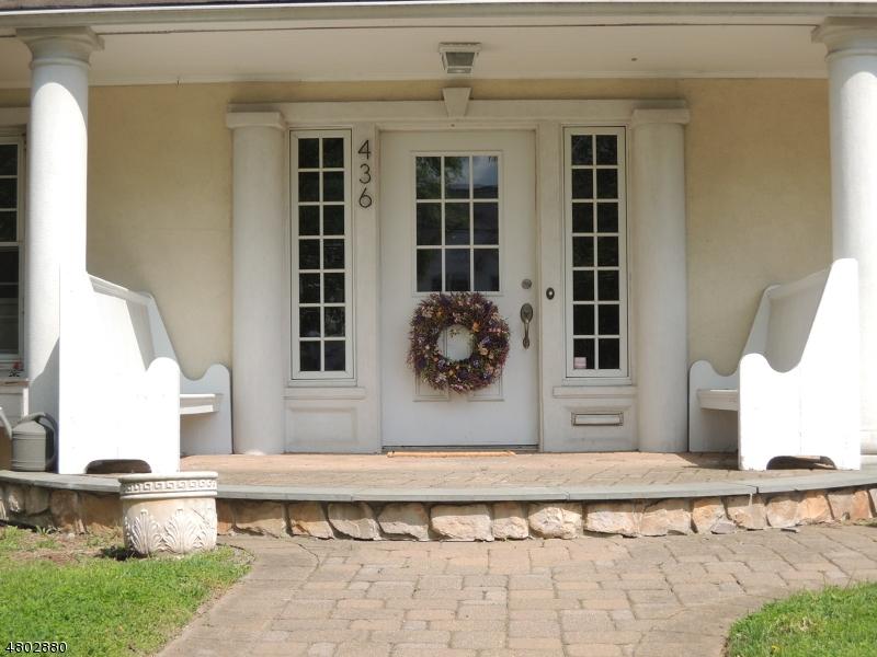 独户住宅 为 销售 在 436 Summit Avenue 哈克萨克市, 新泽西州 07601 美国
