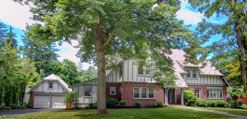 Casa Unifamiliar por un Venta en 1 Georgian Road Morristown, Nueva Jersey 07960 Estados Unidos