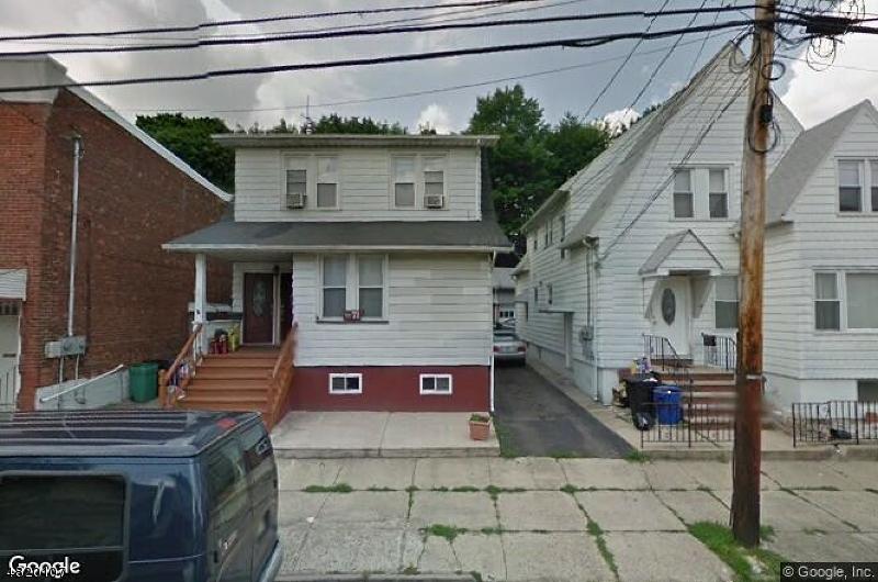 Многосемейный дом для того Продажа на 71 WESTMINSTER Place Garfield, Нью-Джерси 07026 Соединенные Штаты