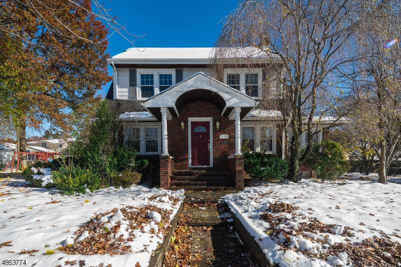 Single Family Home for Sale at 3 Lyncrest Avenue Fair Lawn, New Jersey 07410 United States