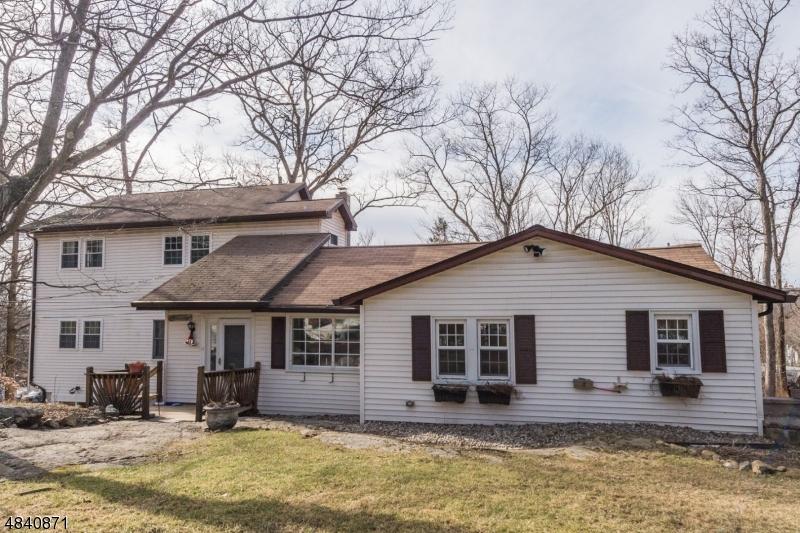 独户住宅 为 销售 在 17 ABBOTT Drive Jefferson Township, 新泽西州 07849 美国