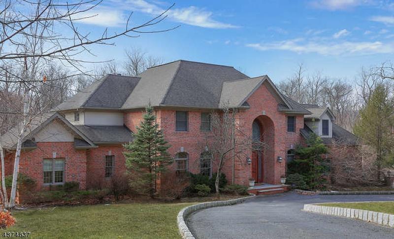Villa per Vendita alle ore 84 ANDERSON Road Watchung, New Jersey 07069 Stati Uniti