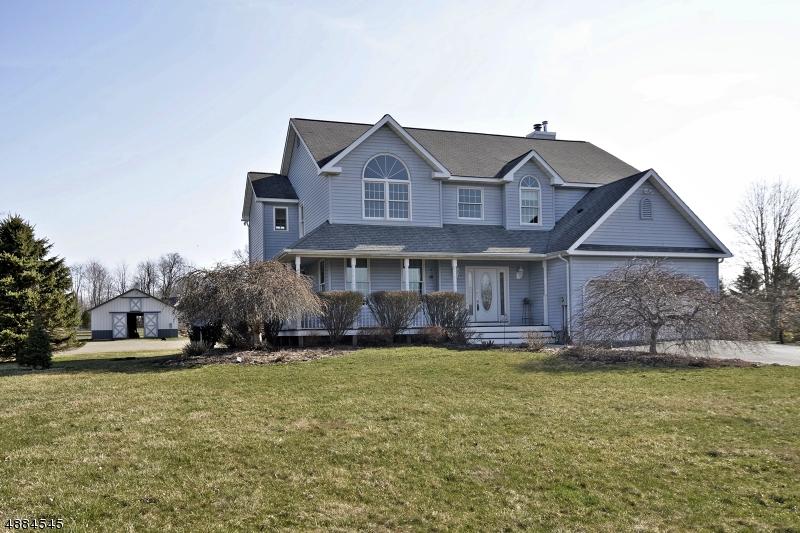 Maison unifamiliale pour l Vente à 93 MT HERMON Road Blairstown, New Jersey 07825 États-Unis