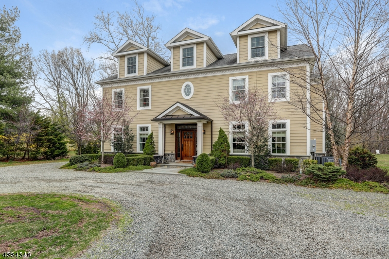 Single Family Home for Sale at 186 PARSIPPANY RD 186 PARSIPPANY RD Hanover, New Jersey 07981 United States