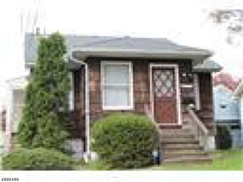 Maison avec plusieurs logements pour l Vente à 958 INGERSOLL TER Union Township, New Jersey 07083 États-Unis