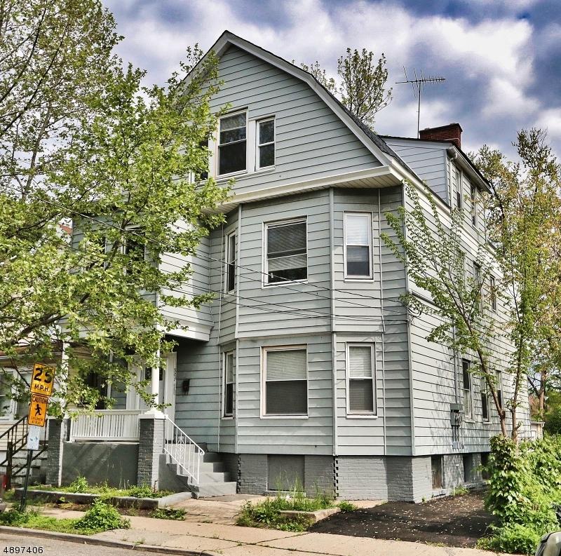 Maison avec plusieurs logements pour l Vente à Orange, New Jersey 07050 États-Unis