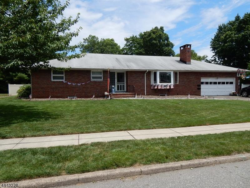 Single Family Homes für Verkauf beim Pompton Lakes, New Jersey 07442 Vereinigte Staaten