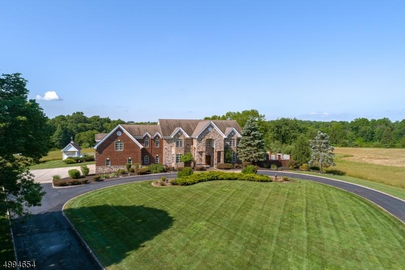 Single Family Homes para Venda às Bedminster, Nova Jersey 07921 Estados Unidos