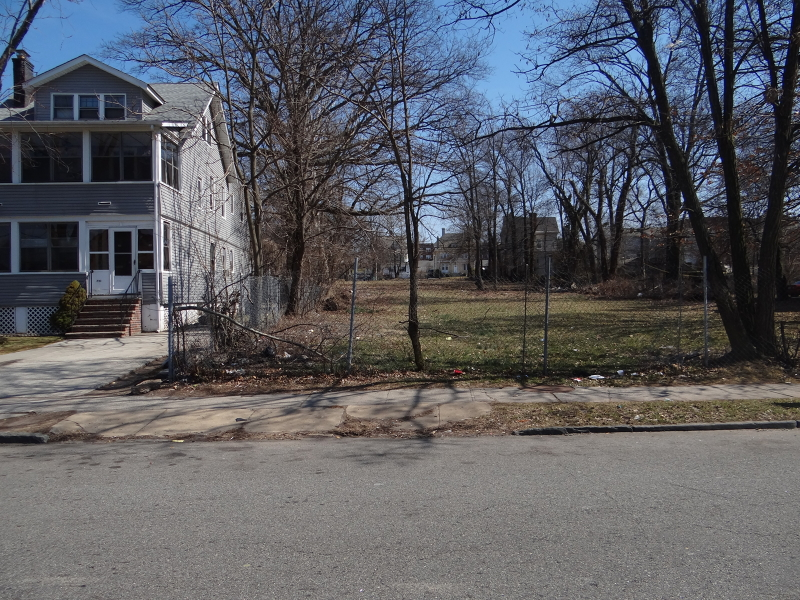 Additional photo for property listing at 227 N Walnut Street  East Orange, Нью-Джерси 07017 Соединенные Штаты