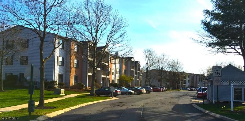 Casa Unifamiliar por un Venta en 9 Fisher Drive Franklin Park, Nueva Jersey 08823 Estados Unidos