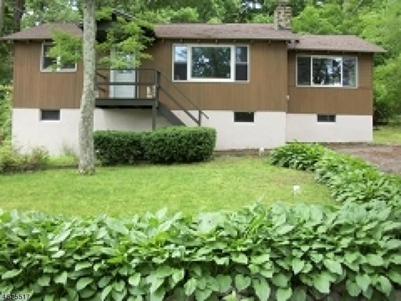 Частный односемейный дом для того Продажа на 1080 Lakeside Dr E Highland Lakes, Нью-Джерси 07422 Соединенные Штаты